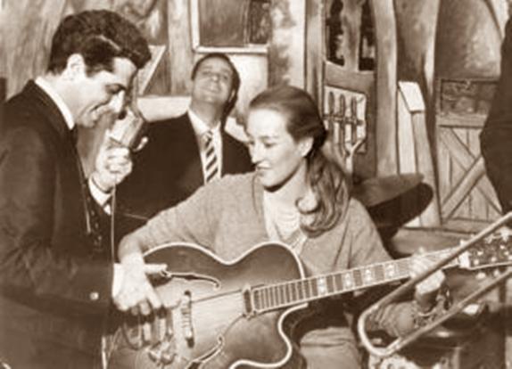 olghina-armandino-chitarra-302103_tn