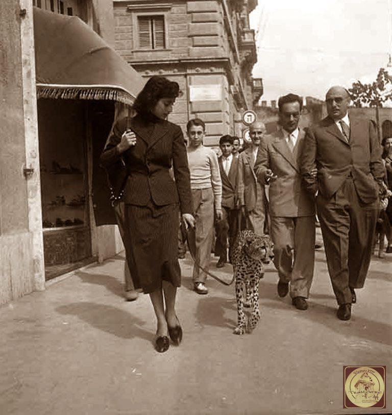 1950-Passeggiando-per-Roma-